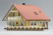 Modelhaus mit Wort Ökologisch
