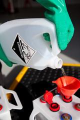 Préparation des batteries d'accumulateurs pour montage