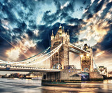 Fototapety Beautiful sunset colors over famous Tower Bridge in London