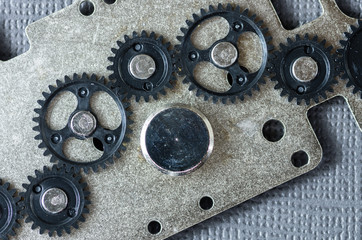 Plastic gear train assembly