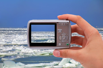 photographing ice sea