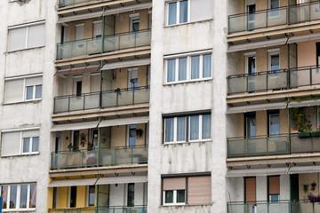 abgewohnte Häuser