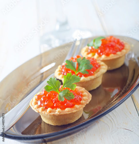tartalets with caviar