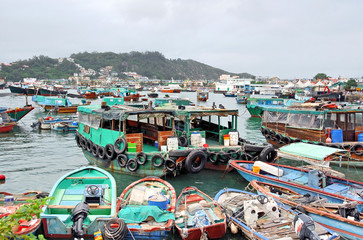 Hong Kong Cheung Chau crowded fishing harbor