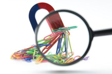 理科実験イメージ―磁石と虫メガネ