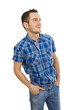 Mann isoliert blau blickt auf eine Anzeige