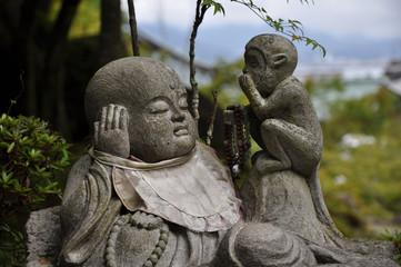 Figura de piedra en Hasedera. Kamakura. Japon