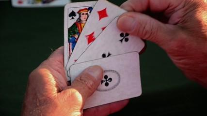 Scopa, scartare una carta da gioco