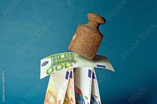 Euro-Stabilität, q.