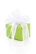 Ein grünes Präsent mit weißer Schleife