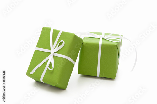 Leinwanddruck Bild Grüne Geschenke isoliert