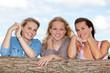 Drei attraktive Freundinnen