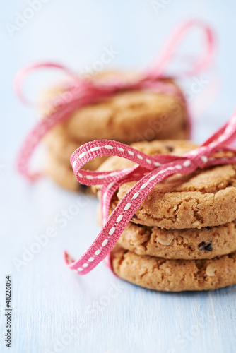 Crunchy cookies tied with pink ribbon