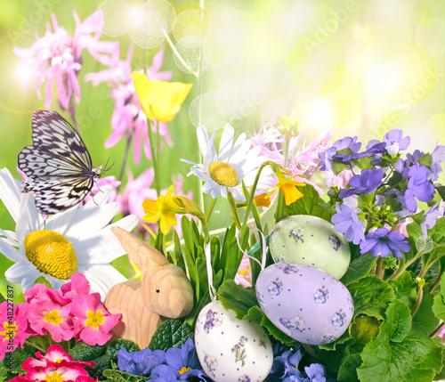 Happy Easter: Fröhlich-bunte Osterwiese