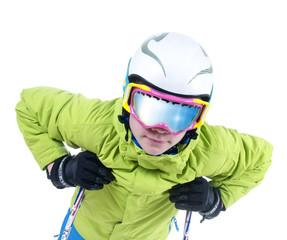 Skifahrer mit verspiegelter Skibrille vor weißem Hintergrund