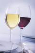 Weißwein und Rotwein