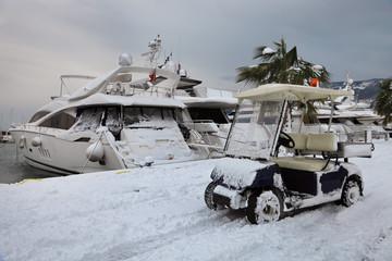 car, yacht and snow