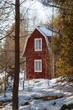 Rotgestrichenes schwedisches Holzhaus in Småland