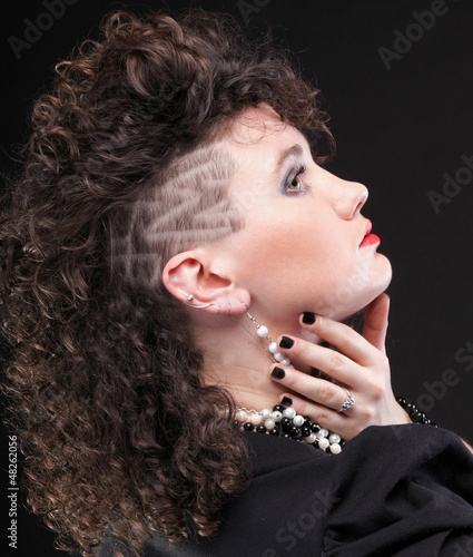 Ear super piercing woman curly girl unique haircut