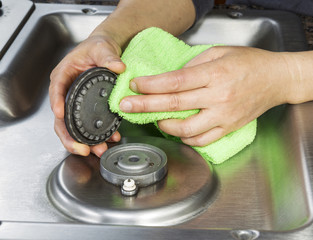 Clean Gas Stove Top and Burner Covers
