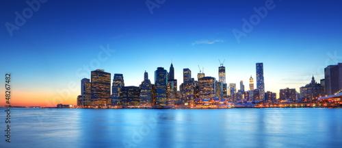 Panoramique de New York au crépuscule.