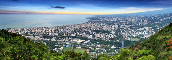 Panoramique de Saint-Denis de La Réunion.