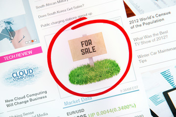 Sale sign on internet advertising