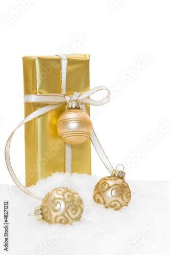 Goldenes Weihnachtspäckchen