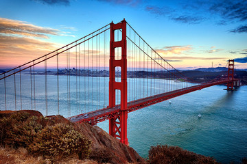 horizontal view of Golden Gate Bridge
