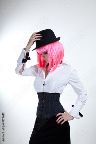 Ganger woman in fedora hat