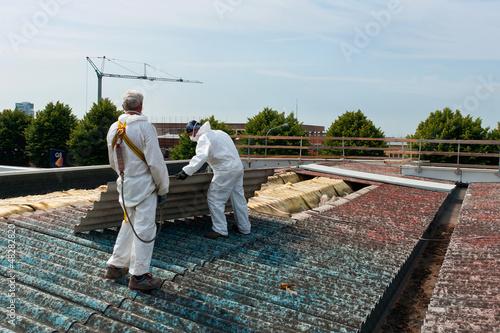 Leinwandbild Motiv Asbestos removal