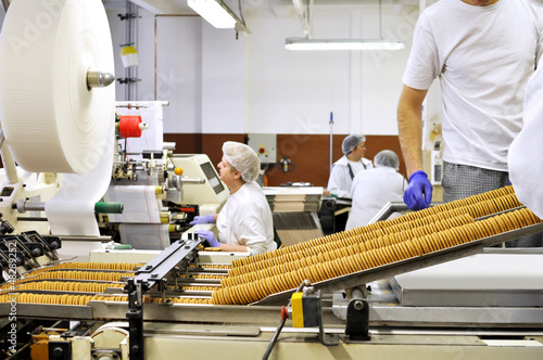 Lebensmittelindustrie Keksherstellung / food production