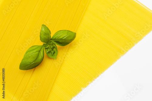 Spagetti mit Basilikum