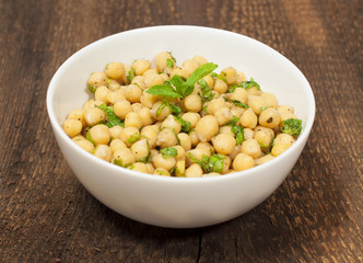 chickpeas with lemon and  olive sauce