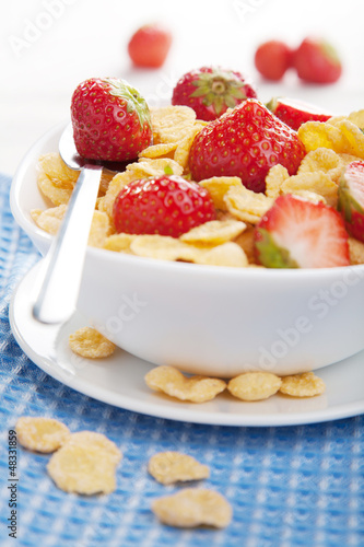 cornflakes with strawberry