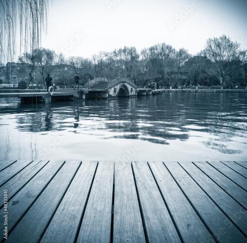 zachodnia-sceneria-jeziora-w-hangzhou