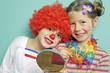 Kinder freuen sich auf den Karneval
