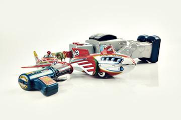 old vintage tin toys