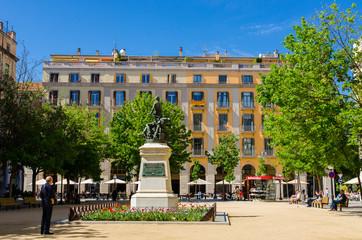 Gérone, place centrale, Espagne