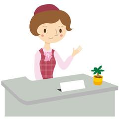 受付で仕事をする女性