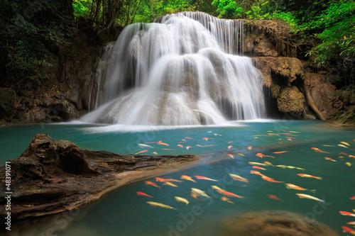 Plakat Huai Mae Khamin Wodospad, Tajlandia