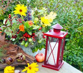 Stillleben Spätsommer Herbstfrüchte