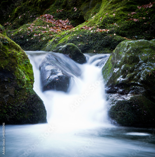 Fototapeten,wasserfall,cascade,grün,landschaft