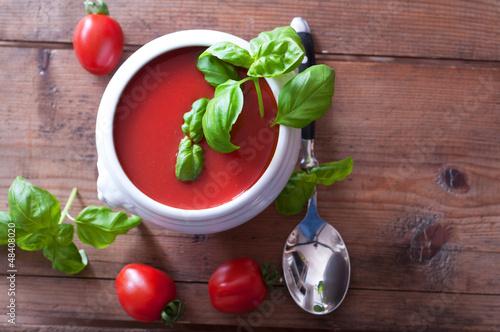 Aus frischen Tomaten