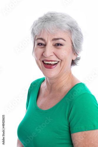 Glückliche Frau mit grauen Haaren