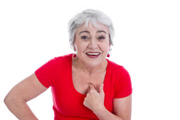Frau zeigt auf sich selbst  mit dem Zeigefinger