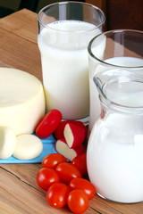 Bicchiere di latte con formaggio