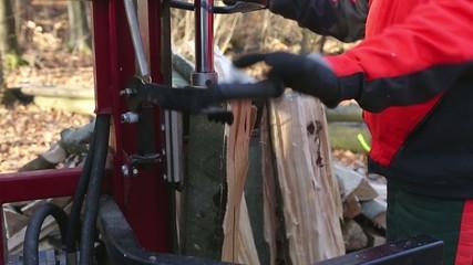 Professionelle Holzverarbeitung mit Spalter