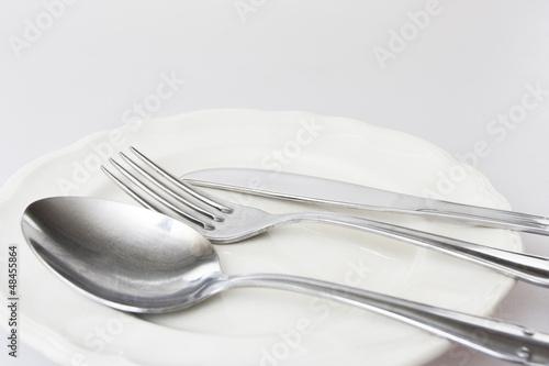 Cuchara tenedor cuchillo y plato de israelgd imagen for Plato tenedor y cuchillo