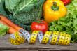 Gemüse auf Holz mit Massband XI